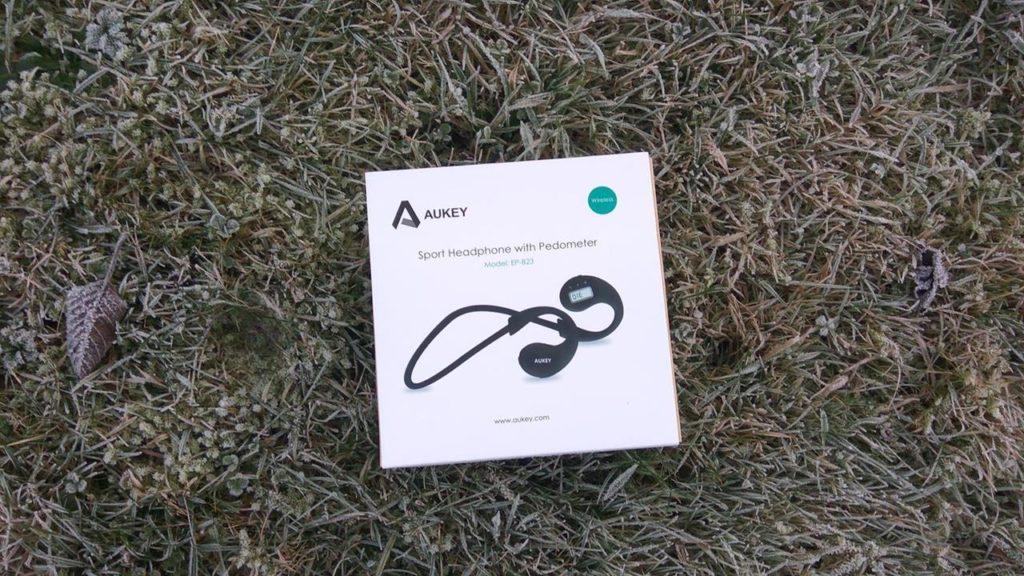 In diesem Karton wird das Headset von Aukey geliefert.