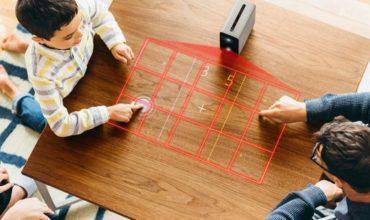 Tisch als Touchscreen: Xperia Touch projiziert Bildschirm auf glatte Oberflächen
