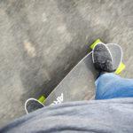 Das wohl günstigste elektrische Skateboard – Im Test das Archos SK8