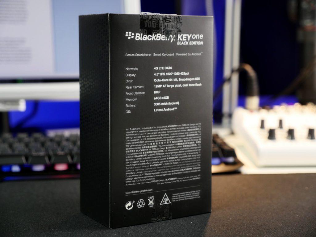 Technische Daten auf der Rückseite der Verpackung