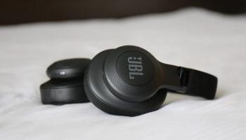 JBL E55BT: Over-Ear-Bluetooth-Kopfhörer mit großer Akkuleistung