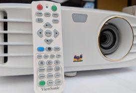 4K für unter 1.200 Euro? – Der Viewsonic PX747-4K Beamer im Test