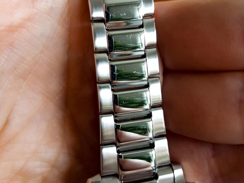 Traurig aber wahr: Das Armband ist empfindlicher als man es erwartet.