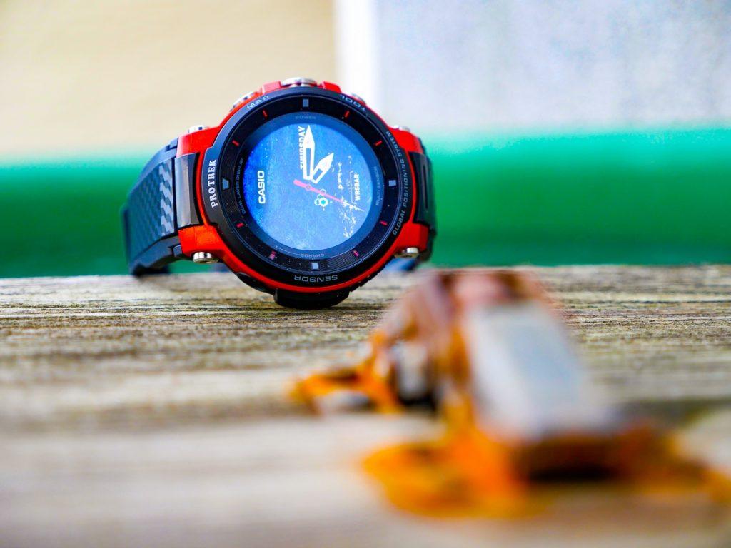 Verschiedene integrierte Watchfaces informieren über alles Wichtige